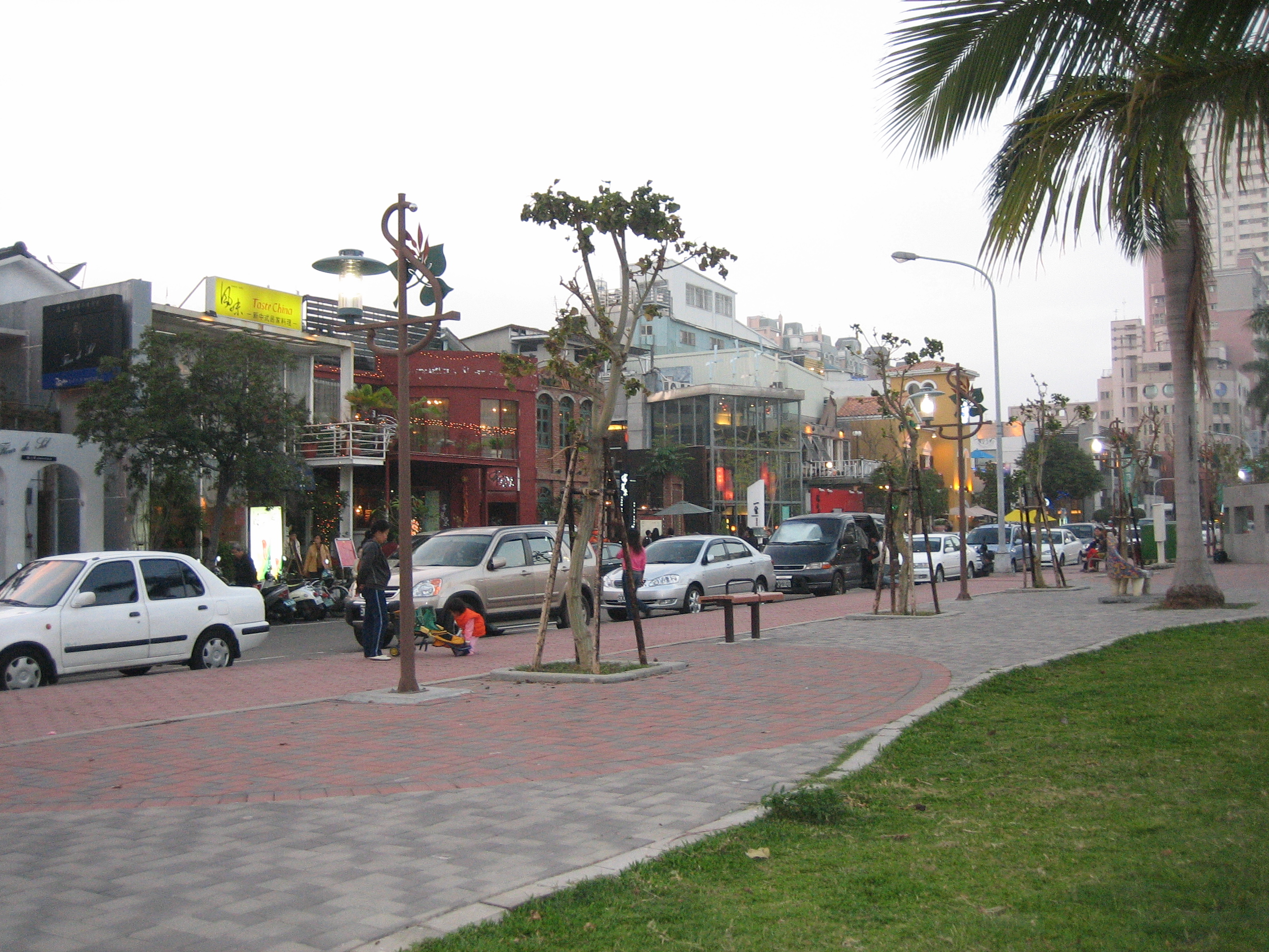 Shops and restaurants in Taichung new area