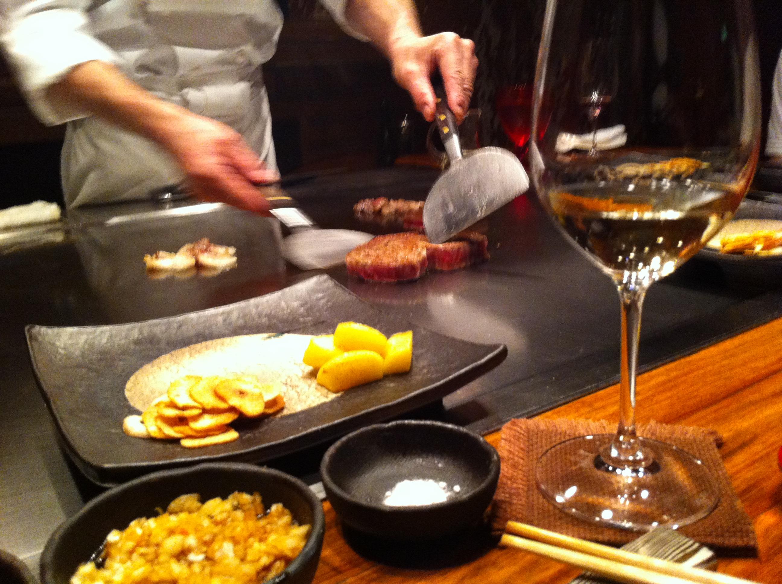 Cooking Kobe beef at Seryna Roppongi