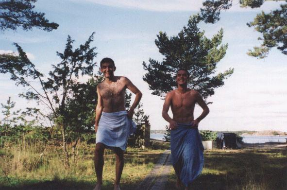 Babak and Laurent running to the sea